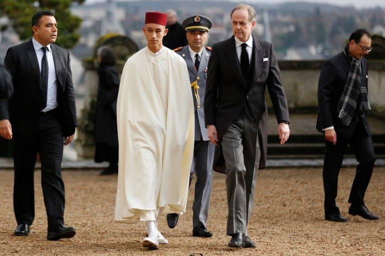 Le Prince Héritier Représente Le Roi Mohammed VI Aux Obsèques Du Comte De Paris