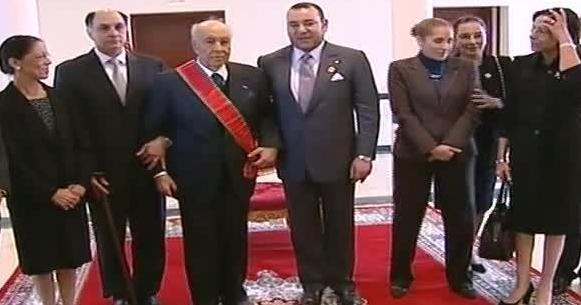 Mohammed VI décore Karim Lamrani