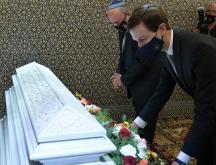Jared Kushner et le conseiller israélien à la sécurité nationale Meir Ben-Shabbat se recueillent sur la tombe de feu Hassan II le 22 décembre © DR