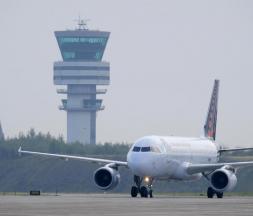 Le Maroc suspend ses liaisons aériennes avec la France et l'Espagne