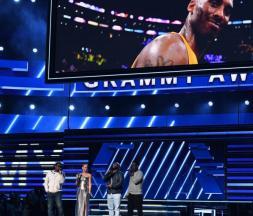 Grammy Awards : hommage à Kobe Bryant