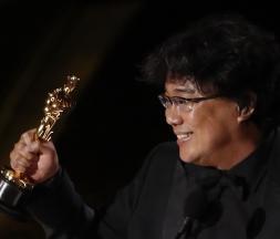 "Oscars 2020 : le film ""Parasite"" triomphe"