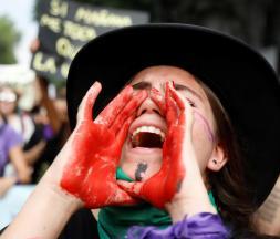 au Mexique, les femmes sont en grève contre les féminicides