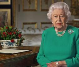 Elizabeth II s'adresse aux Britanniques