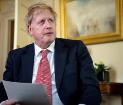 Boris Johnson détaille son plan de déconfinement
