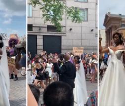USA : ils se marient en plein cœur des manifestations