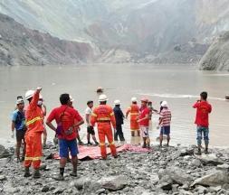 Un glissement de terrain à Myanmar tue plus de 120 mineurs