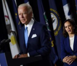 Joe Biden et Kamala Harris tiennent leur premier meeting