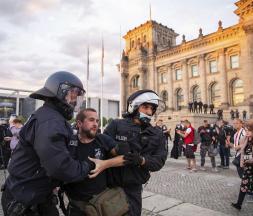 L'Europe envahie par un mouvement «anti-corona»