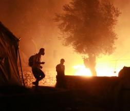 Grèce : incendie dans le camp de migrants à Lesbos