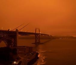 Le ciel prend une teinte orange en Californie