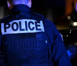 Un producteur tabassé par trois policiers à Paris