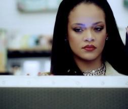 Quand Rihanna monte-t-elle même les présentoirs Fenty