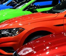 Le marché automobile termine 2020 en baisse
