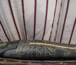L'Égypte dévoile des cercueils vieux de 3000 ans