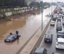 Les Casablancais profitent des inondations