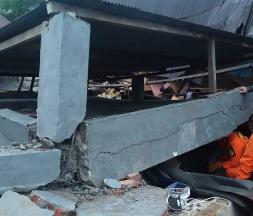 Un séisme meurtrier frappe l'Indonésie