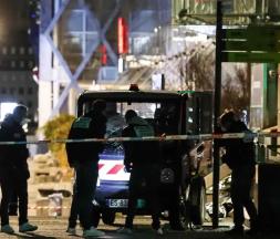 Paris: des piétons percutés par une camionnette volée