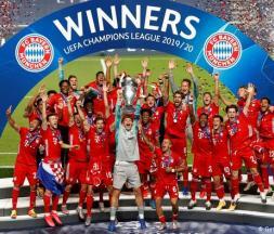 Les joueurs du Bayern Munich avec le trophée de la Ligue des champions