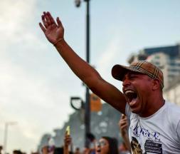 """Argentine : des fans réclament """"justice"""" pour Maradona"""
