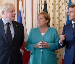 Boris Johnson, Angela Merkel et Emmanuel Macron lors du G7. Biarritz, le 24 août 2019 © Reuters
