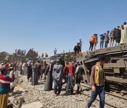 Deux trains sont entrés en collision à Sohag, dans le sud de l'Égypte © Twitter