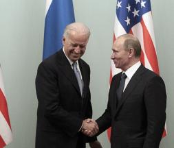 Le président russe Vladimir Poutine et son homologue américain Joe Biden Reuters
