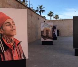 Rabat : une grande exposition de photographies de l'AFP liées à la Covid-19