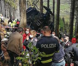 Italie : 14 morts après la chute d'un téléphérique