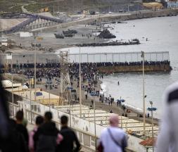 Plus de 8000 migrants marocains et sub-sahariens ont tenté de joindre la ville de Sebta © DR