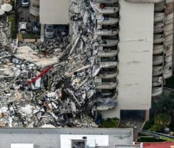 USA : 11 cadavres découverts dans les décombres de l'immeuble en Floride