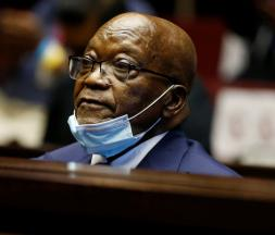 Afrique du Sud : l'ancien dirigeant Jacob Zuma condamné à 15 mois de prison