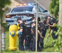 Les lieux de l'attaque ont été sécurisés par la police à London, à Ontario, le 7 juin 2021 © Geoff Robin, AP