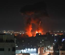 Explosions à Gaza, après des tirs de l'armée israélienne, le 16 juin 2021 © AFP