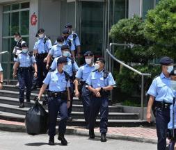 Hong Kong : une descente de 500 agents au Apple Daily