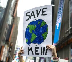 Dans de nombreux pays, la mobilisation citoyenne contre l'inaction des États face au réchauffement climatique ne faiblit pas © Timothy Fadek / Bloomberg via Getty Images