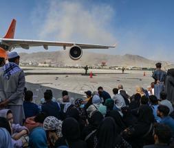Afghanistan : le chaos règne à l'aéroport de Kaboul