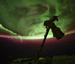 Espace : des images exceptionnelles de l'aurore australe