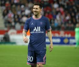 Messi, tout sourire, lors de la victoire du PSG face à Reims ce dimanche © LP / Fred Dugit