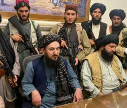 Les Taliban ont pris possession du palais présidentiel de Kaboul, le 15 août 2021. © Zabi Karimi, AP