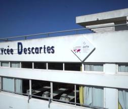 Fausse alerte à la bombe au lycée Descartes : le suspect identifié