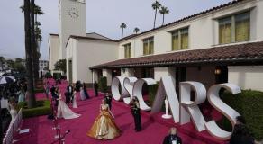 L'actrice Carey Mulligan arrive à la cérémonie des Oscars, à Los Angeles, le 25 avril 2021 © MARK TERRILL / AP /SIPA
