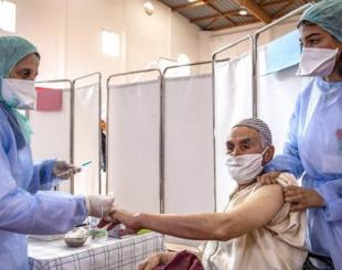 Le Maroc a réussi à administrer les deux doses du vaccin contre la Covid-19 à 5 millions de personnes © Fadel Senna/AFP