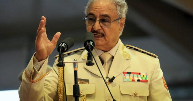 Élections libyennes : Haftar suspend temporairement ses fonctions militaires