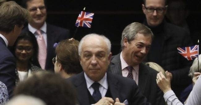 Le Parlement européen valide le Brexit