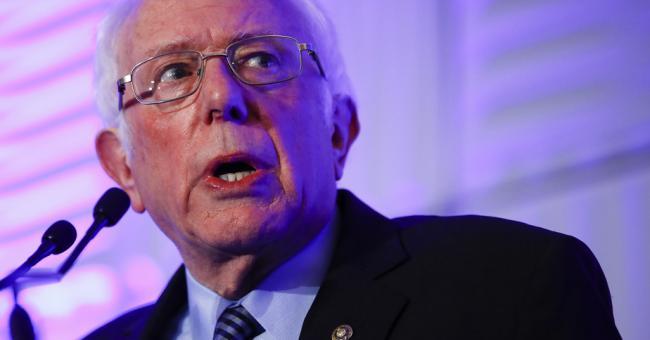 Bernie Sanders attaqué de tous les côtés
