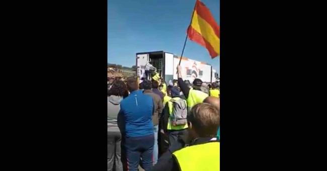 blocage massif de camions transportant les produits agricoles marocains