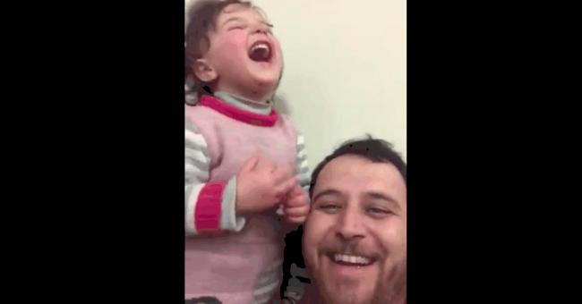 Le rire contre les bombes
