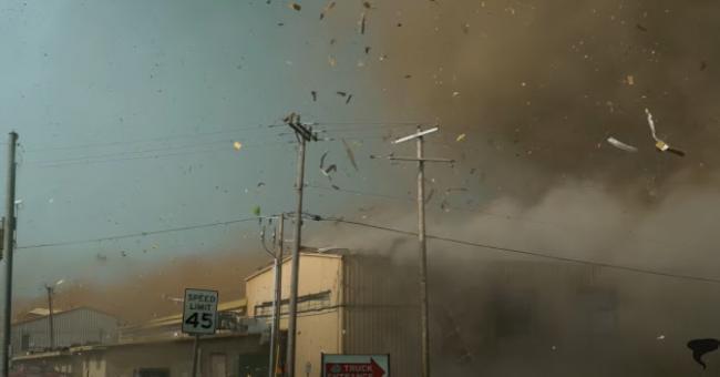 États-Unis : une tornade impressionnante filmée en Oklahoma