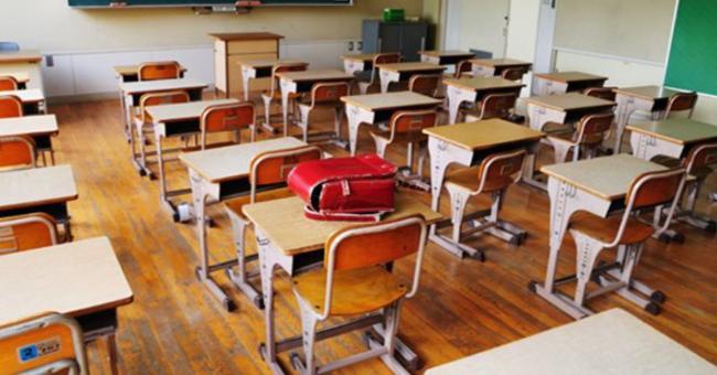 Les raisons et les risques du report de la rentrée scolaire